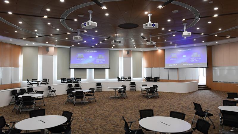 phòng học thông minh thư viện Vinuni