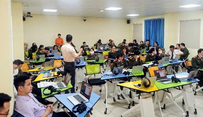 Phòng học thông minh trường Đại học Kỹ thuật Hậu Cần Công An Nhân Dân-1