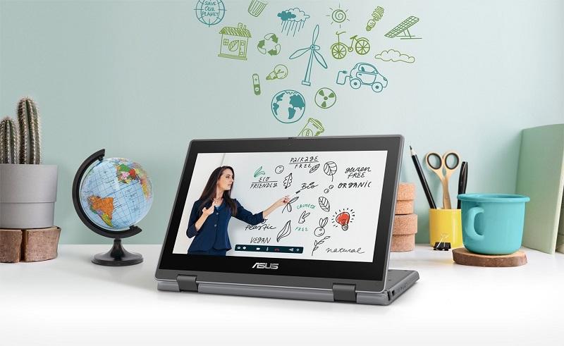 Điện thoại hoặc máy tính - thiết bị không thể thiếu khi dạy học online